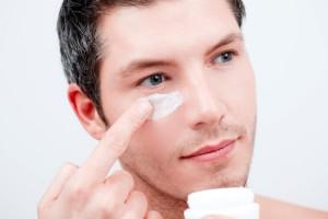 Man-applying-cream