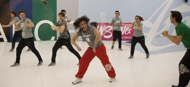 """Dansyng: il Fitness che Spopola nella Scuola di """"Amici"""" di Maria De Filippi"""